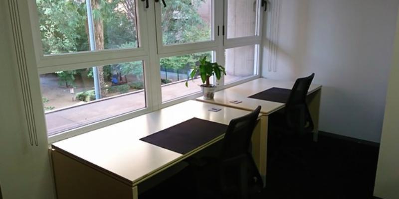 Comparto despacho en Valencia. Alquiler zona de facultats, Valencia