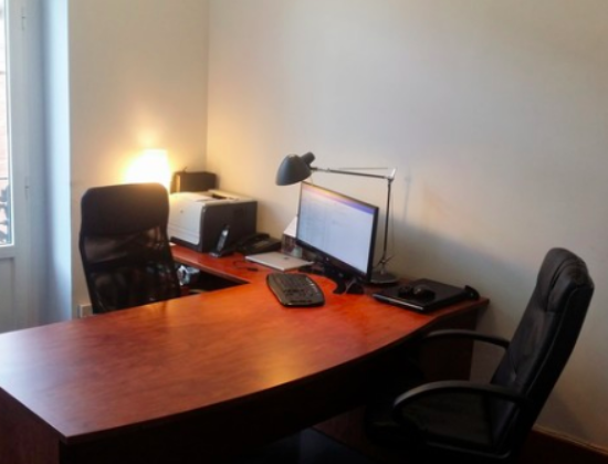 Valencia rental of independent offices