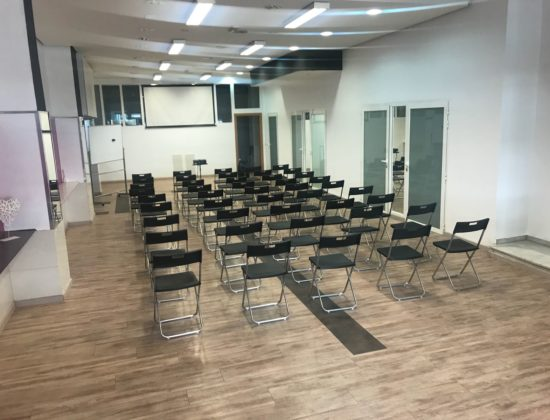 Rent large room for conferences and events