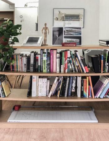Espacio de trabajo en bonito y luminoso estudio compartido | Sants