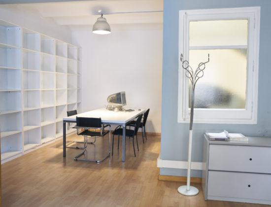 Despacho independiente (18 m2) en despacho compartido tipo loft en Enric Granados