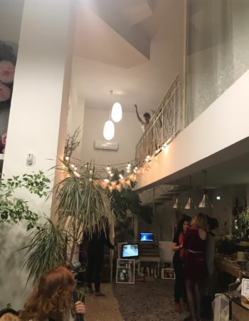 Se alquila zona de trabajo taller/oficina compartido con taller de arte floral y centro de estética