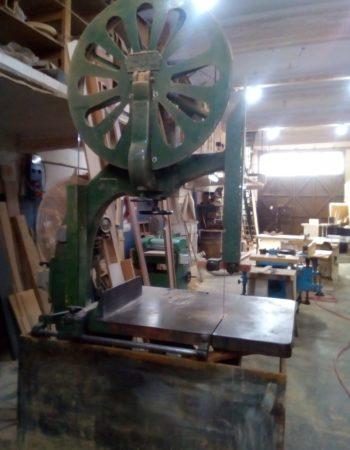 Rental of space in a workshop