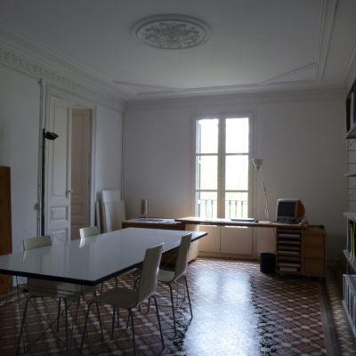 Rent studio Arc de Triomf