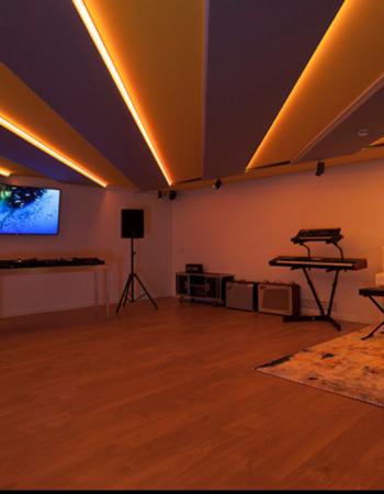 Event Room Rental | Photography studio | Recording studio
