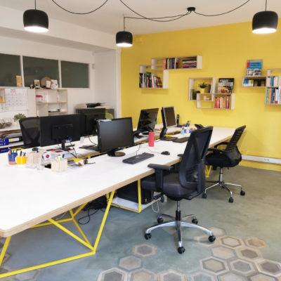 Oficina / estudio de diseño compartida y con patio